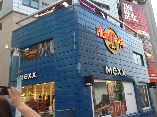 Hard Rock cafè all interno - Picture of Bay Street Shopping Centre ... b223e04aa49