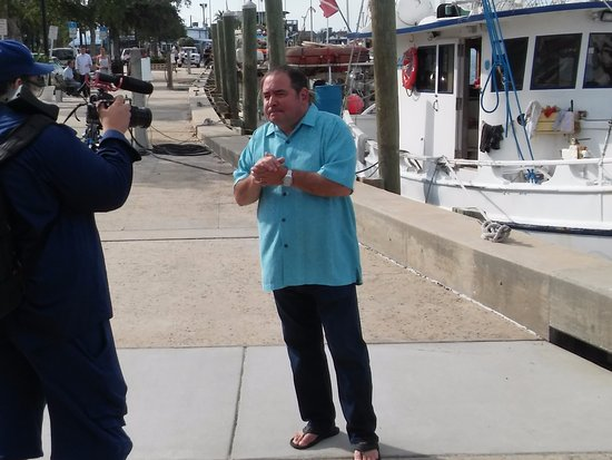 Cornwall, Canada: Chef Emeril Legasse recently visited Dimitri's for the Food Paradise TV show