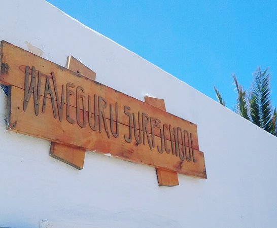 Waveguru Surfschool & Surfcamp