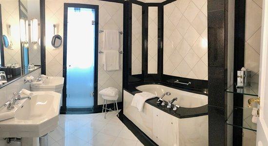 Baur au Lac: Deluxe double room - Bathroom