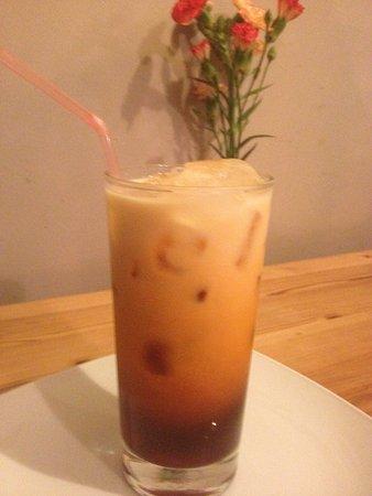 Pin-Petch: iced Thai tea