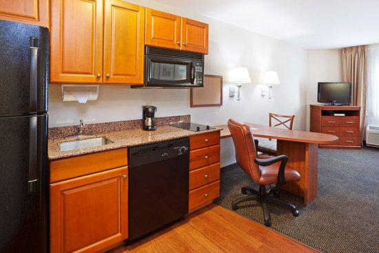 Candlewood Suites Knoxville Airport-Alcoa: Suite