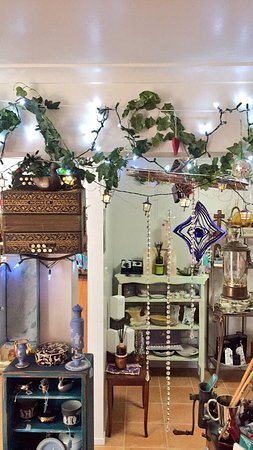 Eagle Heights, Αυστραλία: Beautiful gifts and treats to be discovered and it's starting to feel a bit like Xmas at The Whi