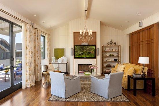 Menlo Park, CA: Presidential Suite Living Room