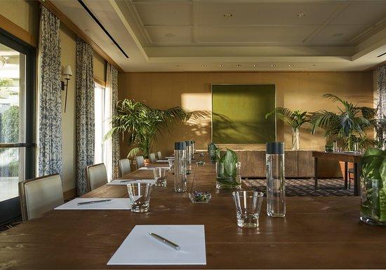 Menlo Park, CA: Sycamore Meeting Room
