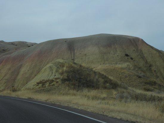 Badlands Wall: yellow mounts