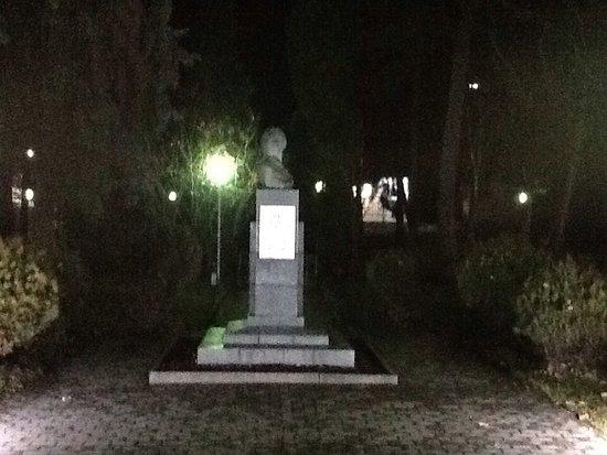 Monument to Kseniya Ge