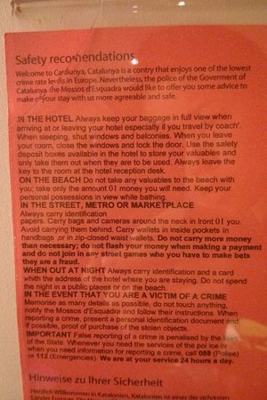 Hotel Lloret Ramblas: Safety recommendation sign inside room