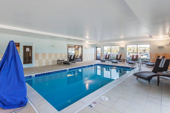 Comfort suites suffolk chesapeake updated 2017 prices - Suffolk hotels with swimming pool ...