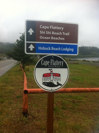 Clallam Bay, WA: Look for the signs to find your way.