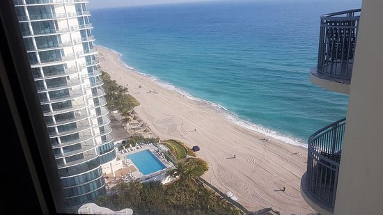 Doubletree Resort Spa By Hilton Ocean Point North Miami Beach