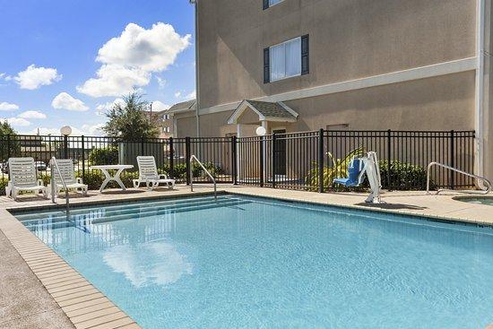 Saraland, AL: Pool