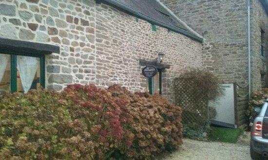 Pleudihen-sur-Rance, Prancis: suite de la longère
