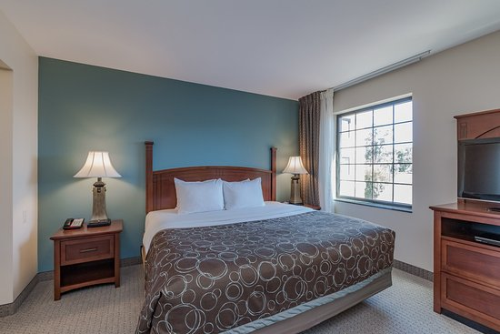 Staybridge Suites South Bend - University Area