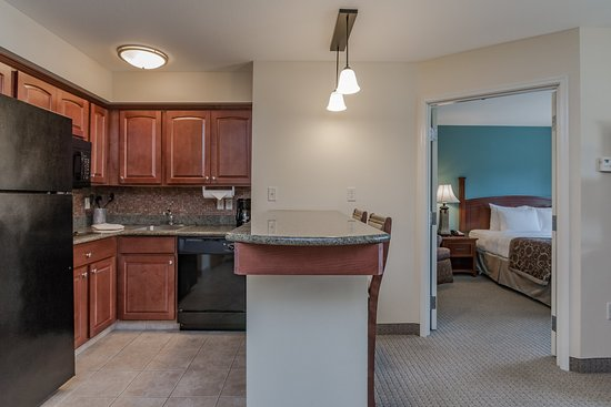 Staybridge Suites South Bend - University Area: Guest Room