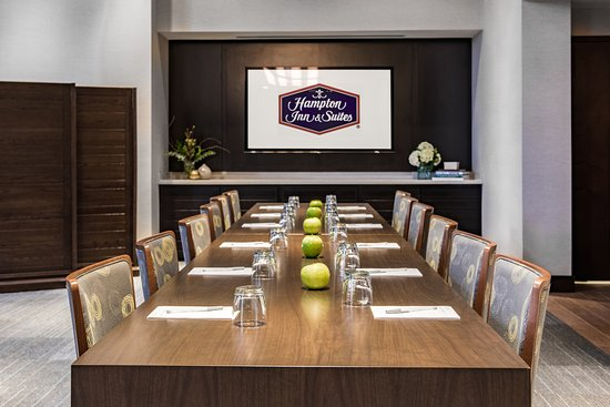 Hampton Inn & Suites Washington DC - Navy Yard
