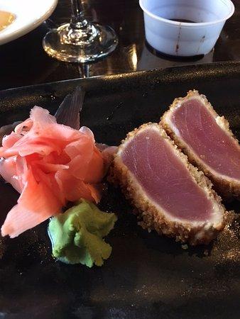 University Park, FL: pretzel crusted tuna!