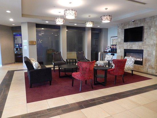 Kulpsville, PA: Our recently renovated lobby offers a great place to meet friends!