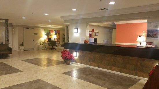 Motel 6 Temple: Hotel Lobby