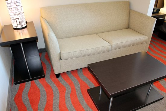 Bonnyville, Canadá: All Suite Offer a Pull Out Sofabed