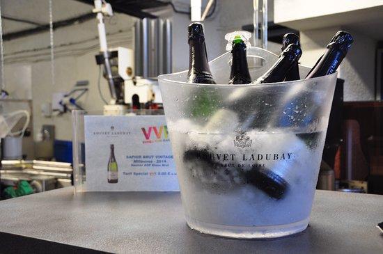 Maine et Loire, Francia: The crisp, cool cremants wait to be sampled