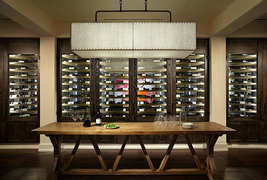 Ojai, Kalifornien: Olivella Wine Room
