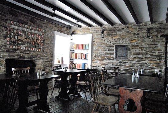 Ye Olde Malthouse Inn: Pleasant homey area