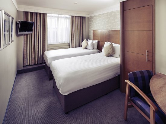 Mercure Maidstone Great Danes Hotel: Guest Room