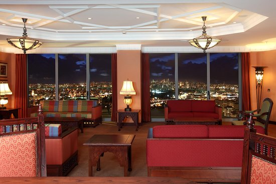 Hilton Beirut Habtoor Grand: Marakesh Suite Living Room