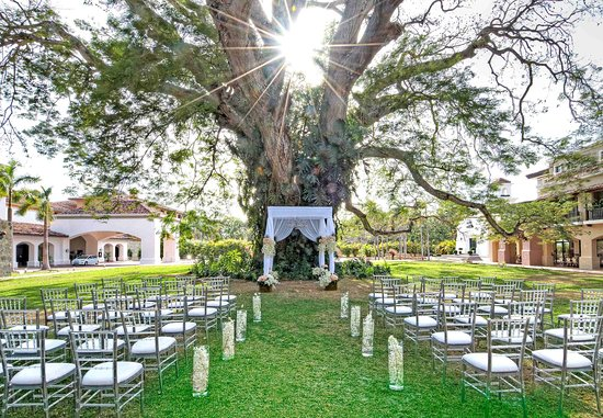 JW Marriott Panama Golf & Beach Resort: Outdoor Wedding Setup