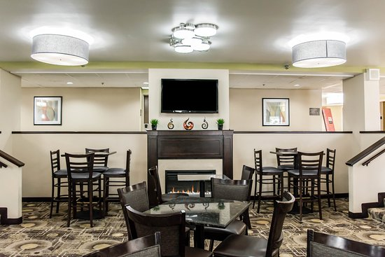 Comfort Inn & Suites: Interior