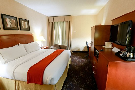 Holiday Inn Express Hotel & Suites West Chester : Guest Room
