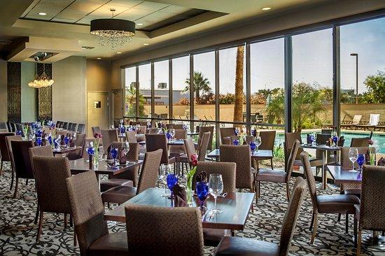 Crowne Plaza Phoenix Airport: The Post Restaurant
