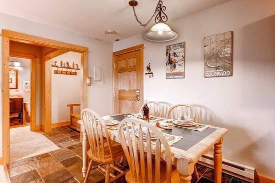 Ski Inn Condominiums: Dining Area Example