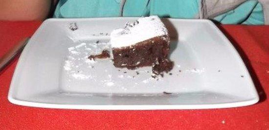 Ginostra, إيطاليا: Torta al cioccolato.