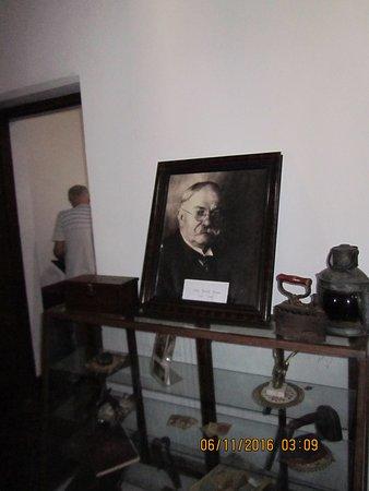 Casa Evans.Foto de David Evans en el Museo.Conchillas.Depto. de Colonia