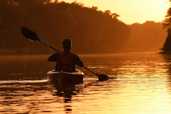 Delaware Water Gap, PA: Sunset paddle tour