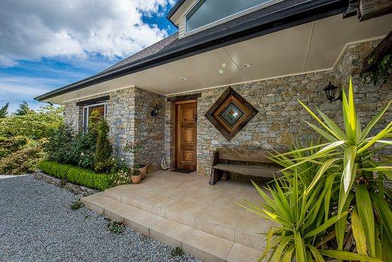 """Te Kuiti, Nova Zelândia: """"Waitomo Boutique Lodge"""" entrance"""