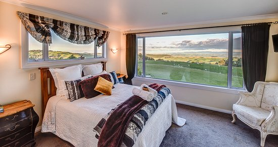 Te Kuiti, New Zealand: Wake up to this vista each morning!