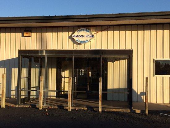 Madisonville, KY: Catfish Harbor Fish-Steak-Seafood