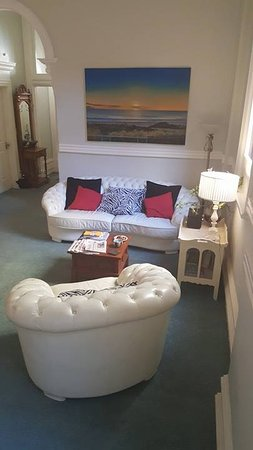 Fremantle Bed and Breakfast: Sitting Area