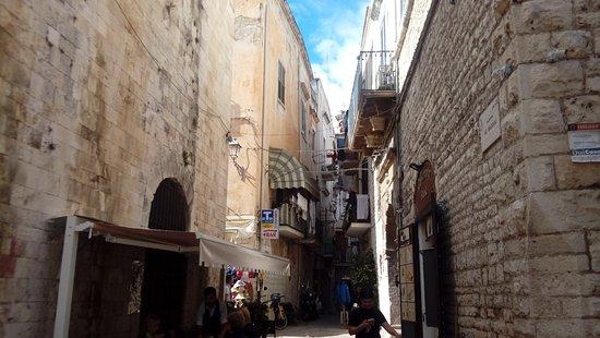 Rua do Centro Histórico de Bari - Foto di Centro Storico, Bari ...