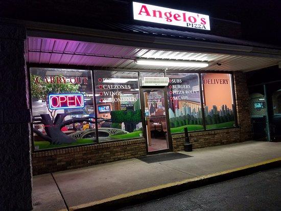 Princeton, WV: Exterior at Night