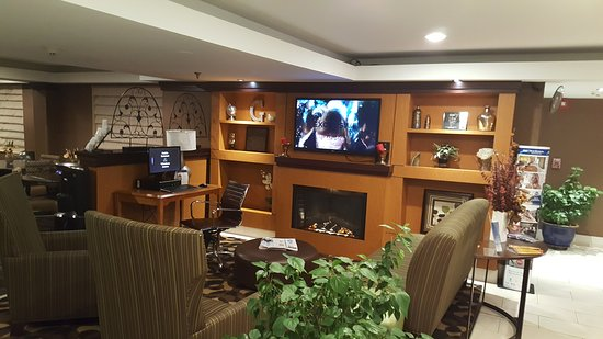 Best Western Plus Glenview-Chicagoland Inn & Suites: 20161117_204154_large.jpg