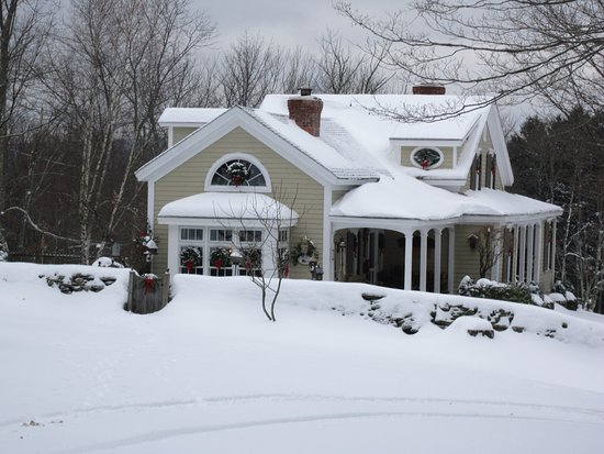 Youngsville, État de New York : Stone Wall Acres is a special place in the winter time.