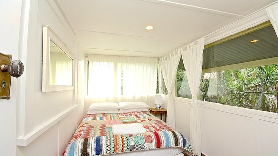Bamboo Cottage B&B: Double Bedroom