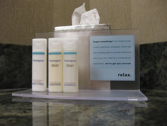 Hampton Inn San Diego - Kearny Mesa: Bottled toiletries along with a kind note just in case you forget something