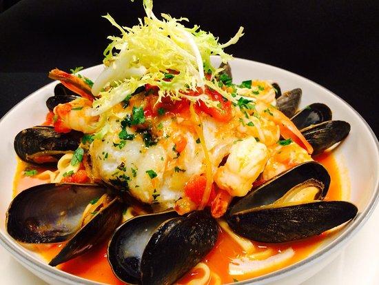 Cview Restaurant : Mussels, prawns, pacific cod, leek tomato sauce, fresh made linguine, reggiano cheese