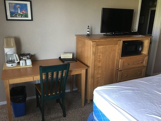 Breakers Hotel and Condo Suites: photo2.jpg