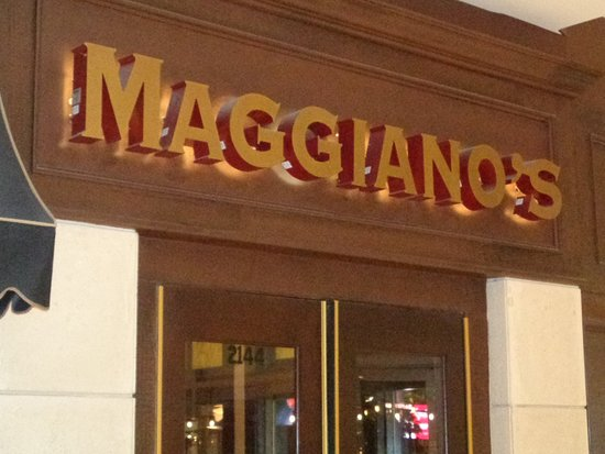 Maggiano's: front sign